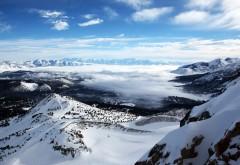 Заставка с прекрасными снежными горами