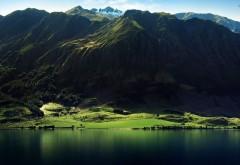 Шикарный вид на горную местность