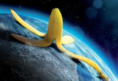 Прикольные обои Бананомэн, Кожура от банана на планете…