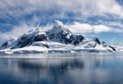 Вода, Ледяные горы, Облака, Пейзажи, Холодные скалы, высокого разрешения фоны, картинки