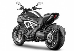 2015 Ducati Diavel Carbon мотоцикл