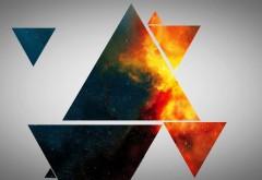 красочные треугольники