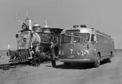 железная дорога, ретро автобус, локомотив