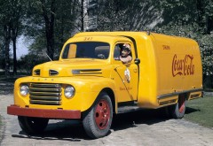 1948 Ford Retro Semi Tractor Coca Cola