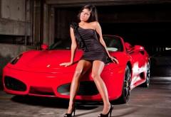 брюнетка, модель и автомобиль, одежда, стиль