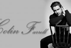 Колин Фаррелл сидя на стуле