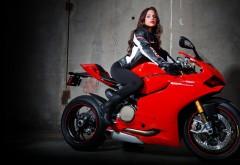 Красивая девушка на мотоцикле картинки на рабочий сто�…