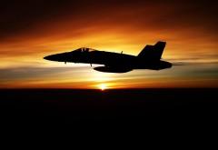 F18 Hornet истребитель на закате обои на рабочий стол