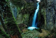 мох, водопады HD обои на монитор
