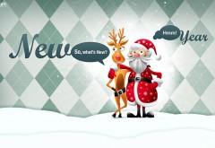 Веселые обои Деда мороза и олень в обнимку